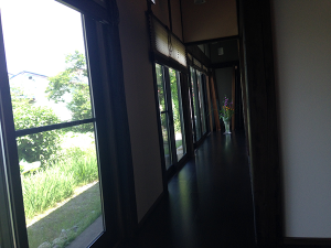 FJP平成26年6月10日 移動例会「独鈷」風情のある廊下